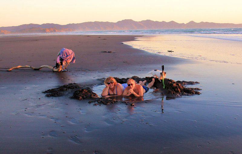 16-kawhia-beach-hot-spring-pic1