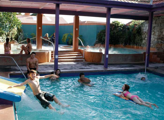 40-polynesian-pools-family-spa