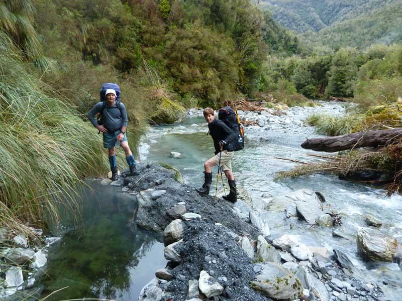 Hot Spring Flat, Mid Wanganui River - NZHotPools.co.nz